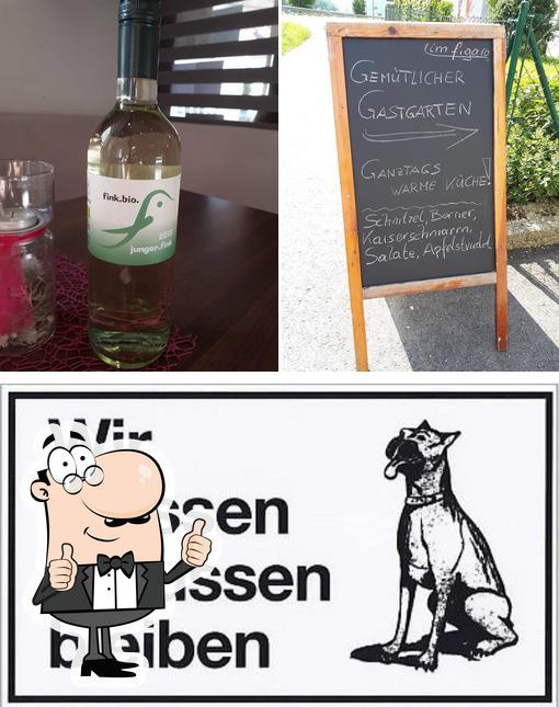 Look at this photo of Im figaro - Kaffee Bar & Vinothek