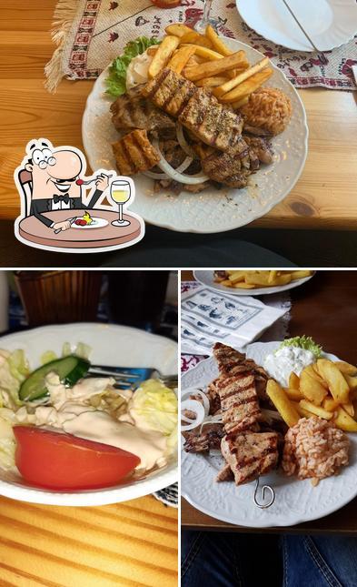 """Nourriture à Griechisches Restaurant """"Taverna Korfu"""""""