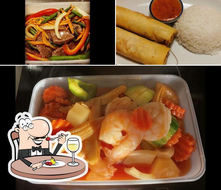 Food at Panthip Thaimat