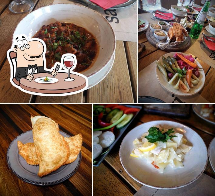 Food at Saperavi