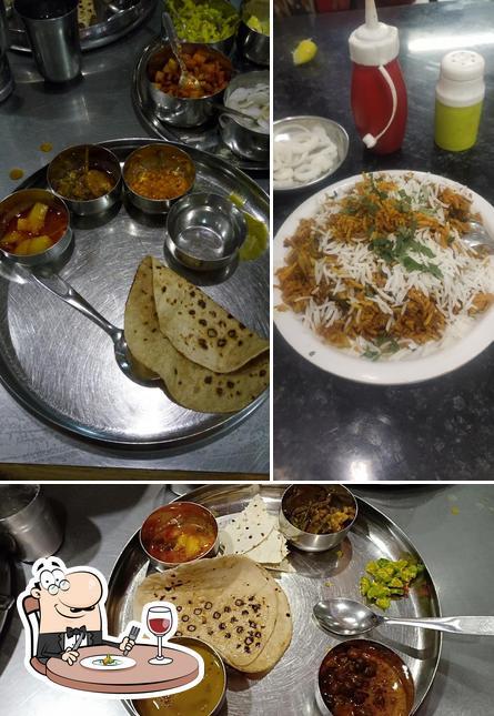 Food at Geeta Lodge