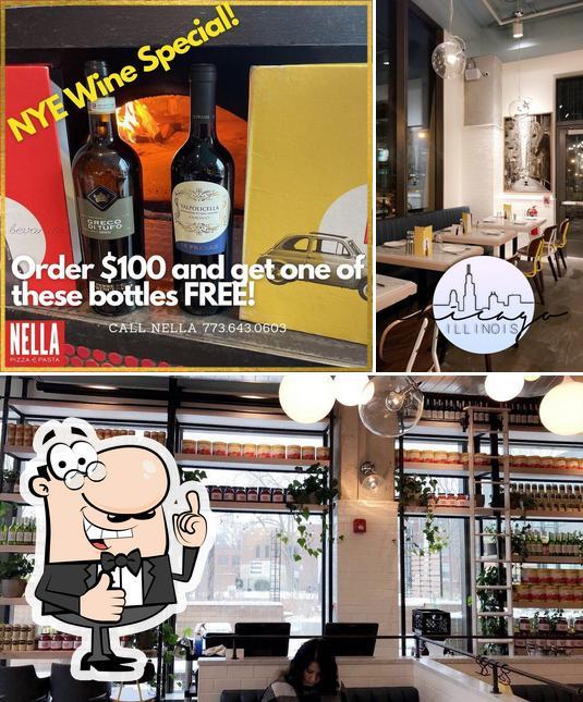 Look at the pic of Nella Pizza e Pasta