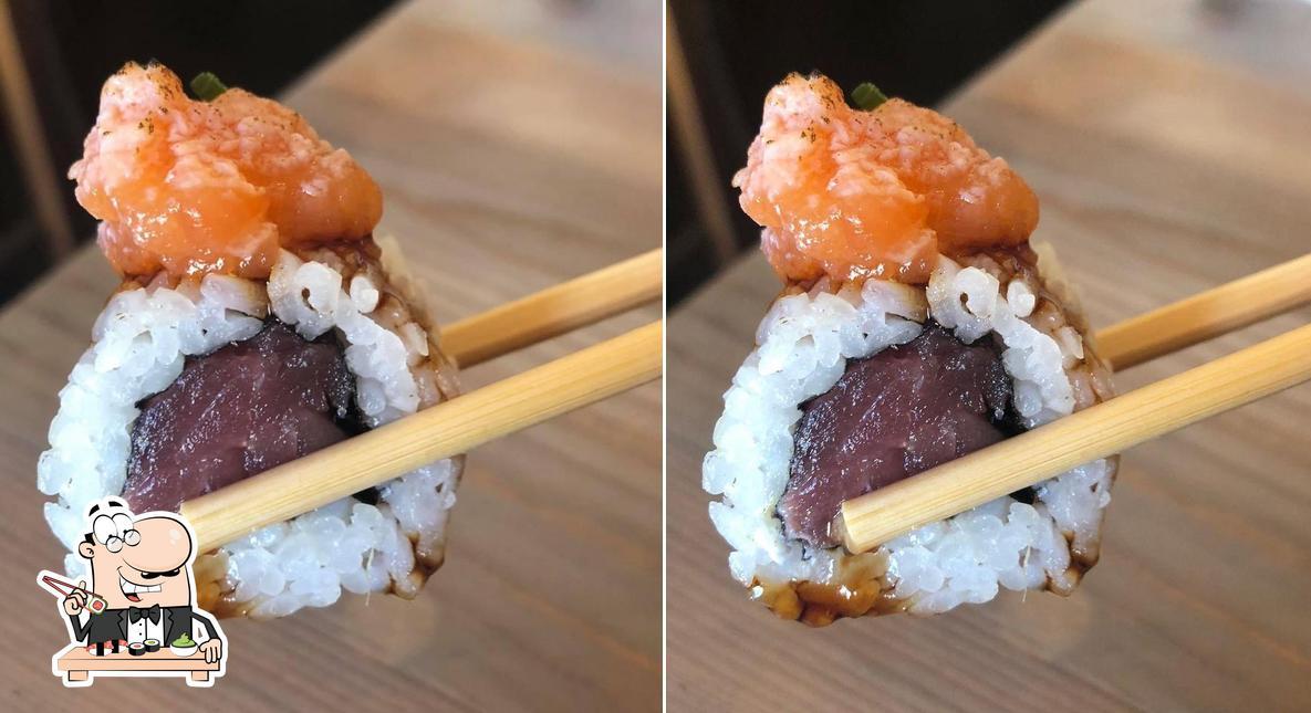 Kisamba Terrassa pone a tu disposición rollitos de sushi
