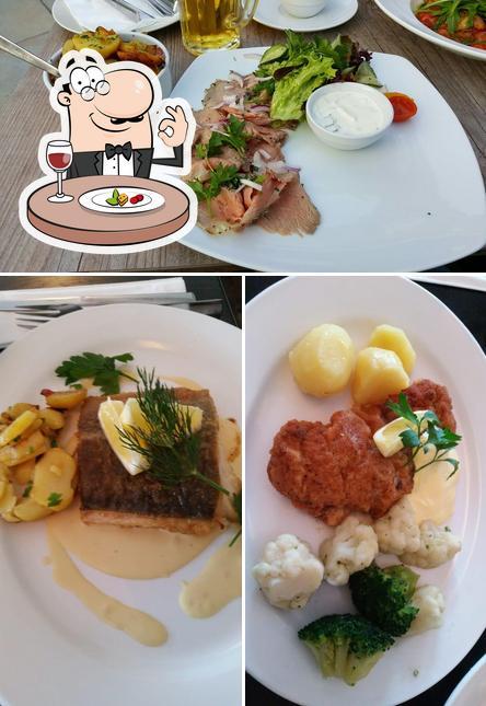 Essen im Restaurant Café Deichkiste
