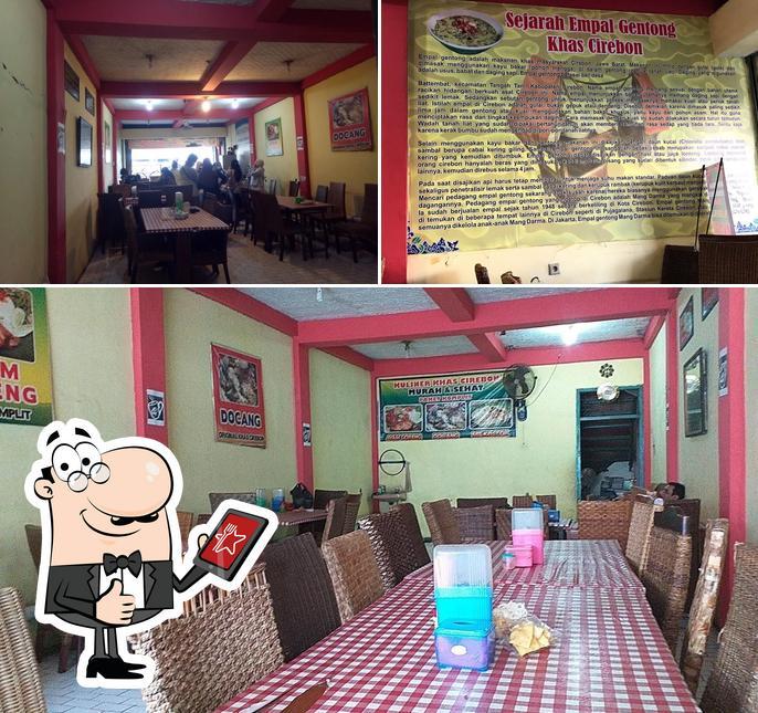 """Это изображение ресторана """"Mang Darma Empal Gentong - Doktor Cipto Mangunkusomo"""""""
