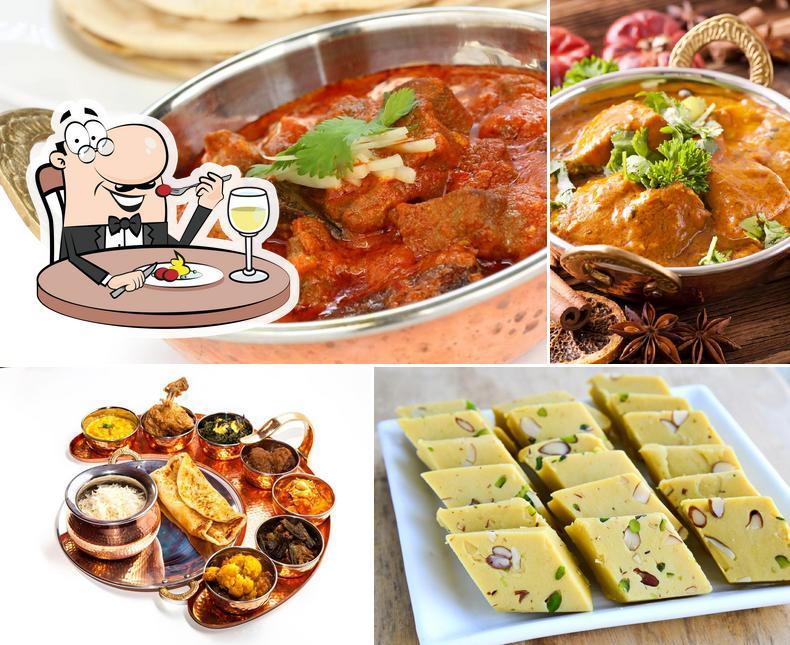 Essen im Halal Food by Faliqshah , مطعم حلال