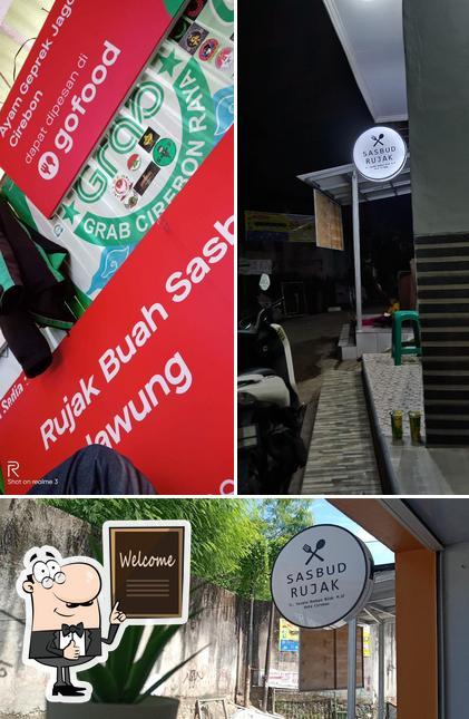Mire esta foto de Rujak Buah Sasbud