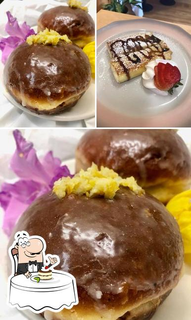 Polish Paczki Cafe offers a number of sweet dishes