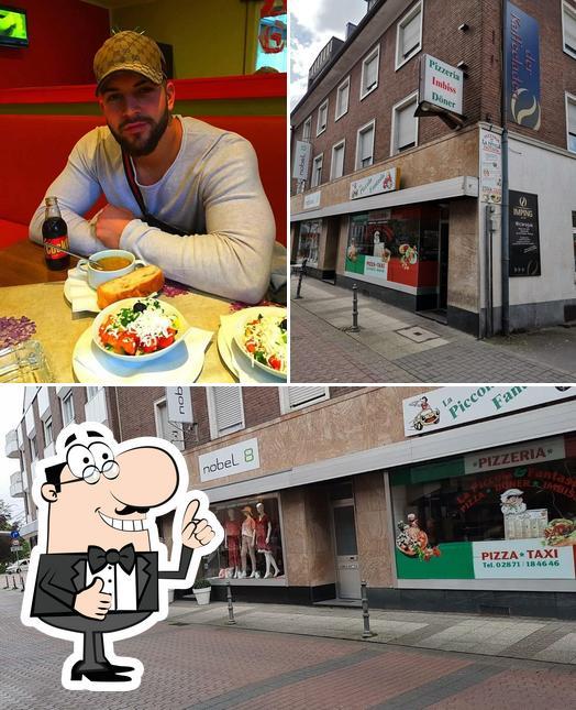 "Взгляните на изображение ресторана ""La Picola Fantasia Pizzaria"""
