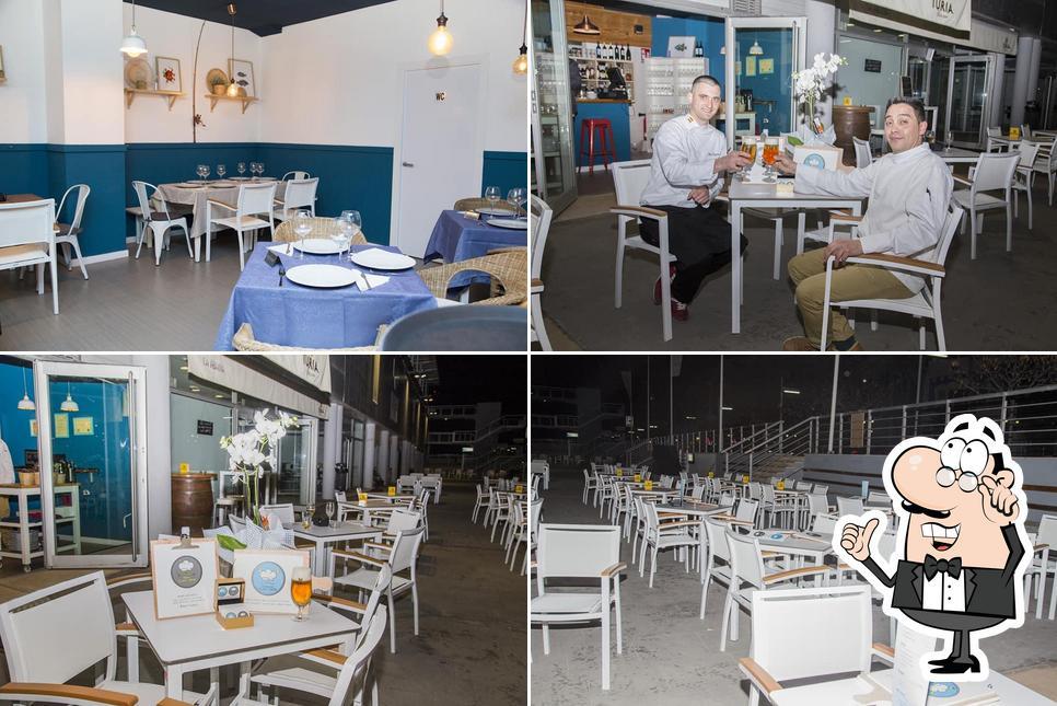 Siéntate a una de las mesas de Restaurante Chef Denis