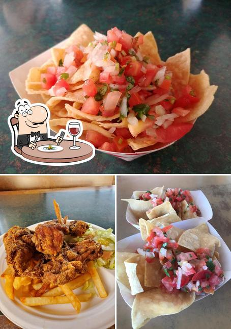 Meals at Taqueria la Mexicana