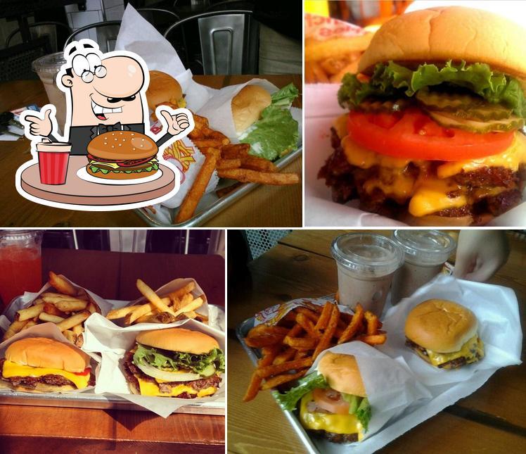 Las hamburguesas de Yo-Burger gustan a distintos paladares