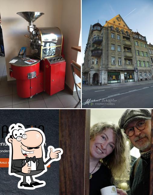 Look at this photo of Kaffeerösterei Lapuzia