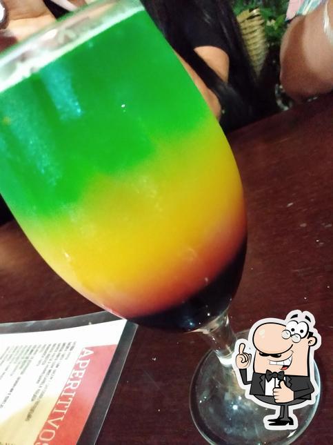 Mire esta foto de Oli Bar Emporio