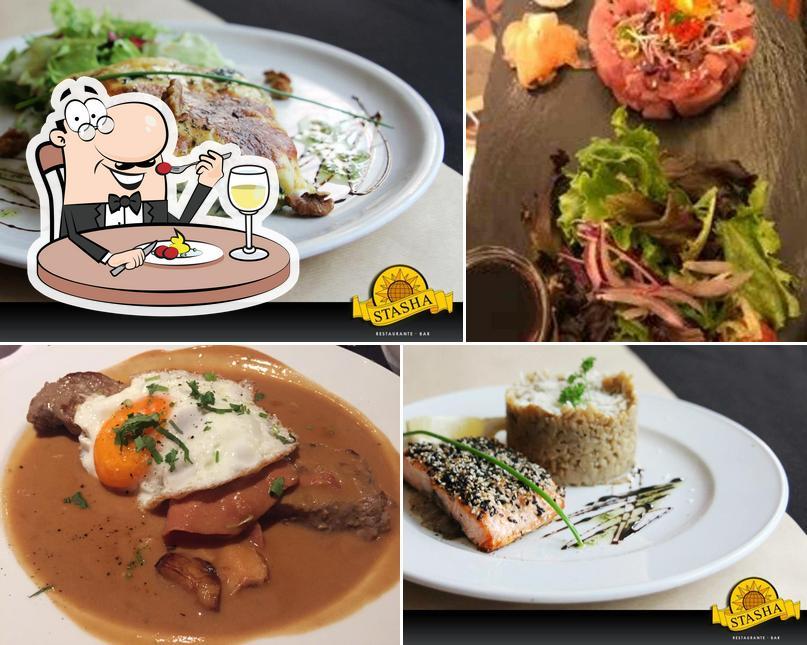 Comida em Restaurante Stasha