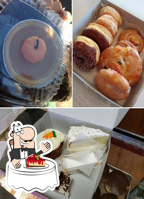 Half Moon Bay Bakery provides a range of sweet dishes