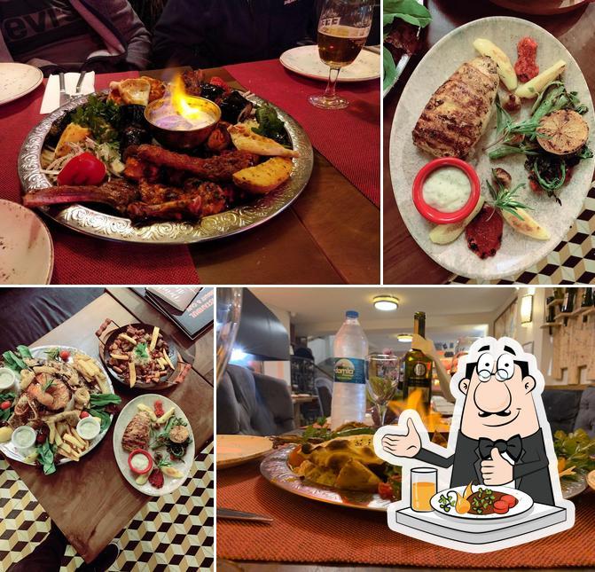 Food at Vamos Estambul Restaurant & Cafe