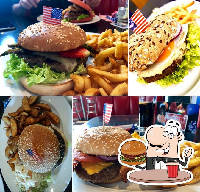 Probiert einen Burger bei Jaroon's American Diner