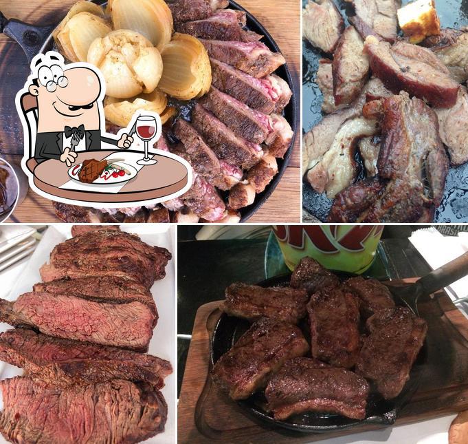 Prove refeições de carne no San Costilla Carnes Especiais