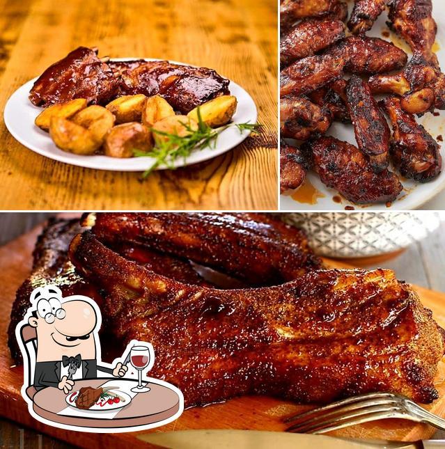 Pick meat meals at Taverna Dogarilor