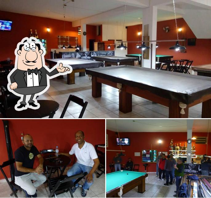Veja imagens do interior do Sinucando Snooker Bar