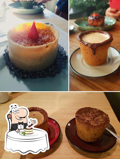 Blend Coffeehouse provê uma variedade de sobremesas