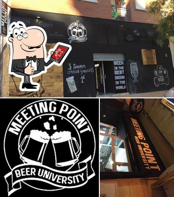 Vea esta foto de Meeting Point Beer University