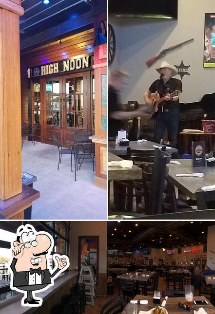 El interior de High Noon Pub & Grill