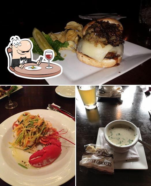Food at 401 Tavern