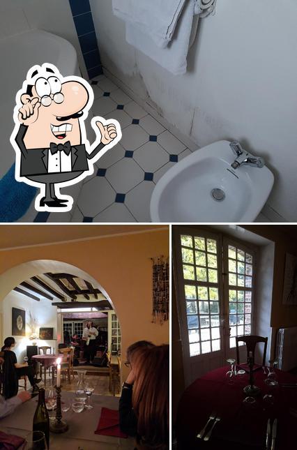 The interior of Restaurant La Fontaine aux Muses