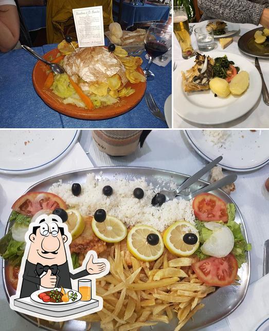 Comida em Restaurante A Floresta