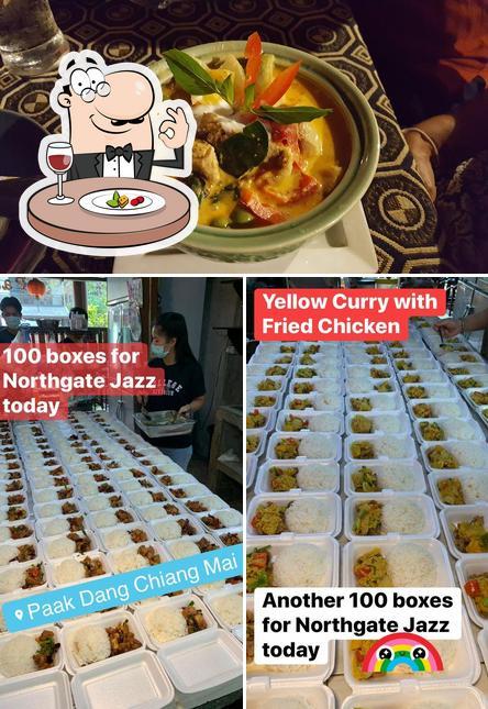 Meals at Paak Dang