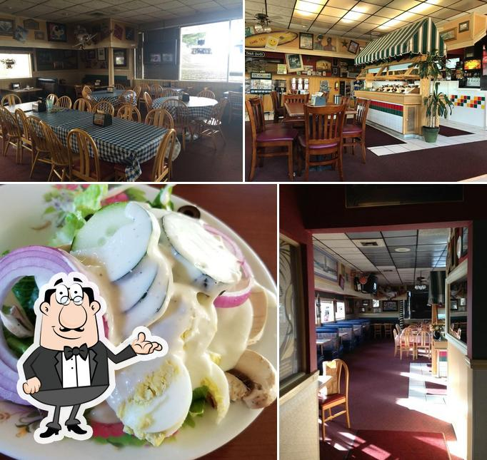 Check out how Straw Hat Pizza looks inside