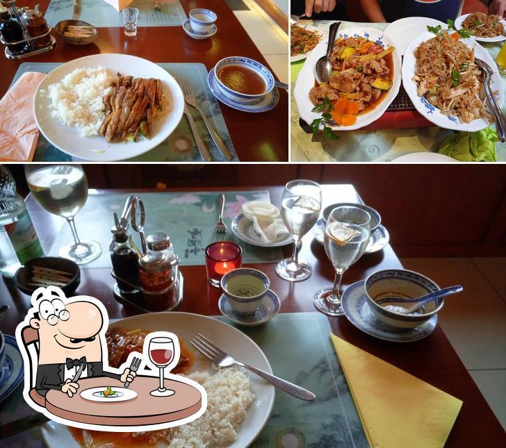 Meals at Tao Tao Chinarestaurant