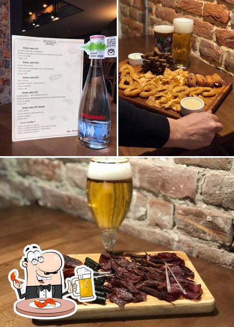 Genießt ein Glas helles oder dunkles Bier