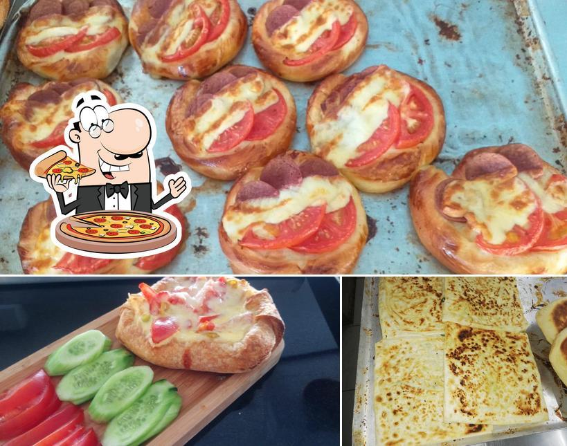 Order pizza at Tatyaka Pastanesi