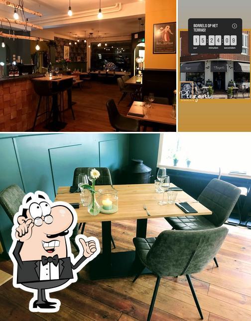 The interior of Dinercafé Plezant Groningen