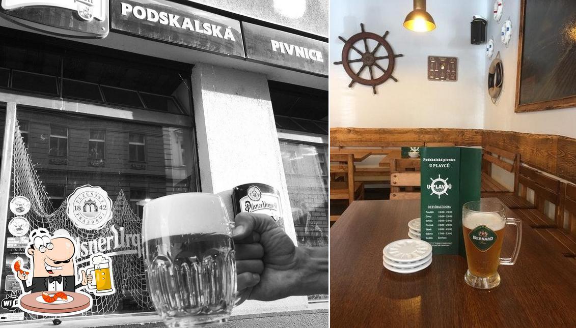 Order a glass of light or dark beer