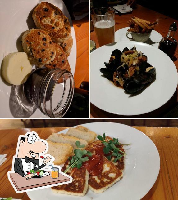 Food at Miijidaa Café + Bistro