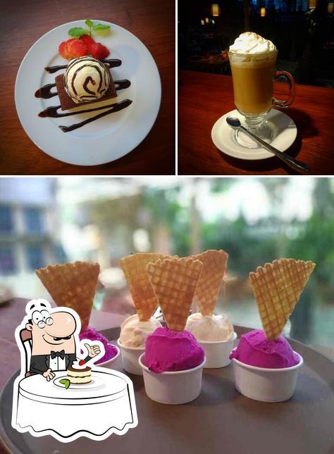 Warung Lu Putu provides a selection of sweet dishes