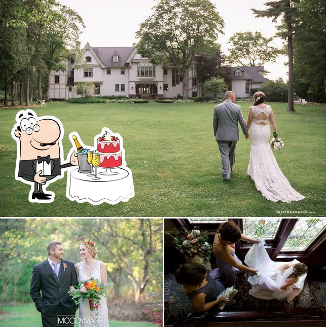 The Inn at Stonecliffe offers a space to hold a wedding reception