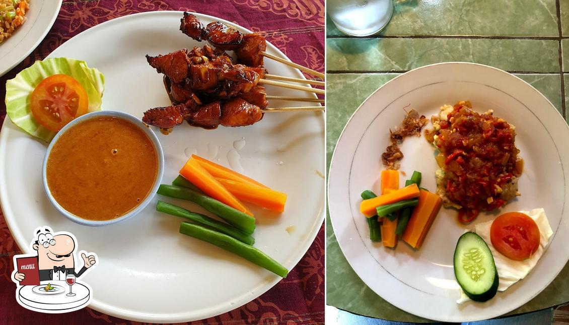 Food at Warung Boni