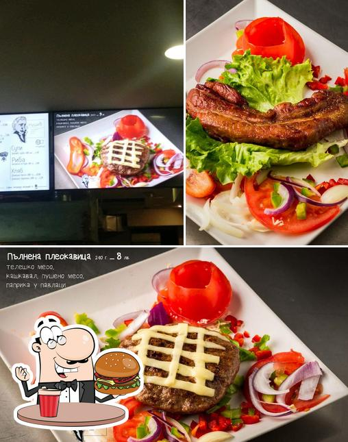 Order a burger at Nushich - Serbian Barbeque