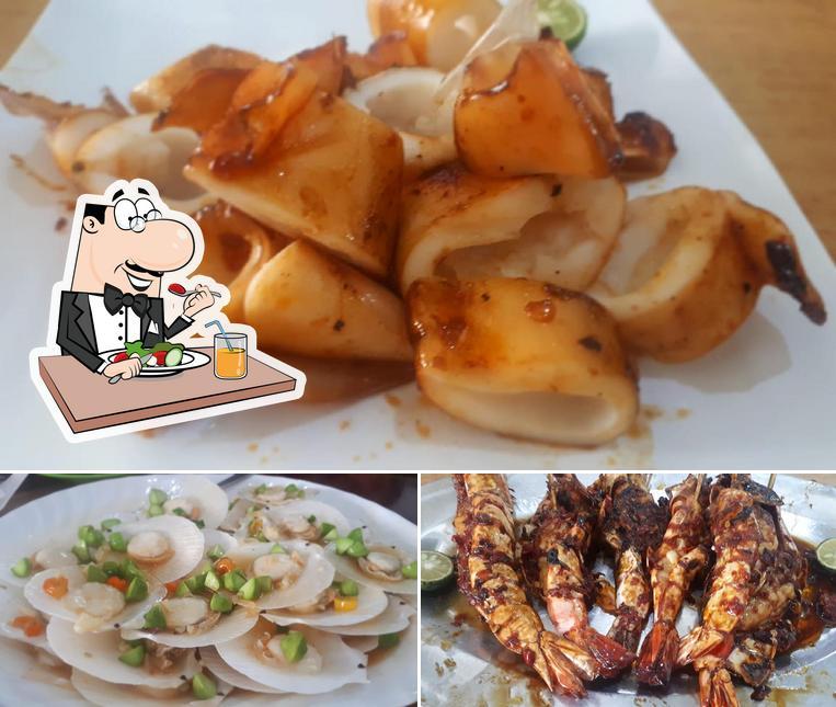 Platos en Rumah Makan Nelayan Jaya