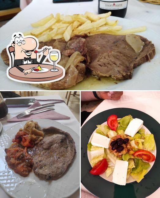 Los comida y interior del restaurante