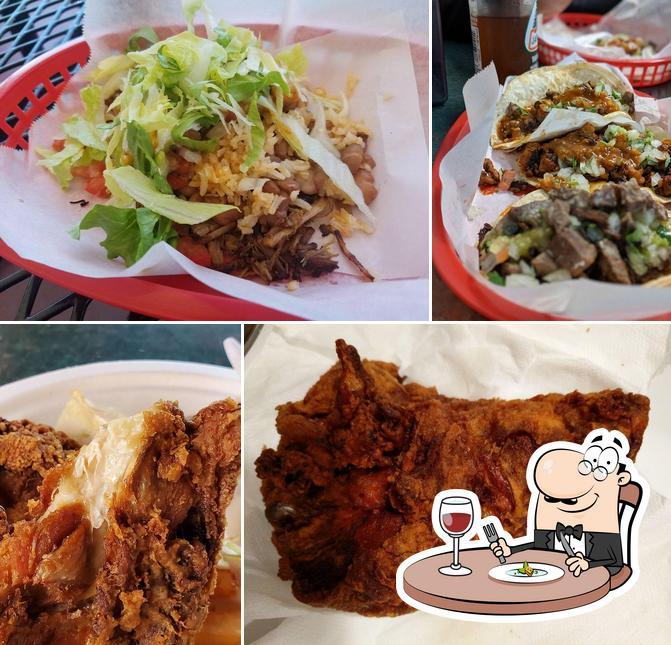 Food at Taqueria la Mexicana