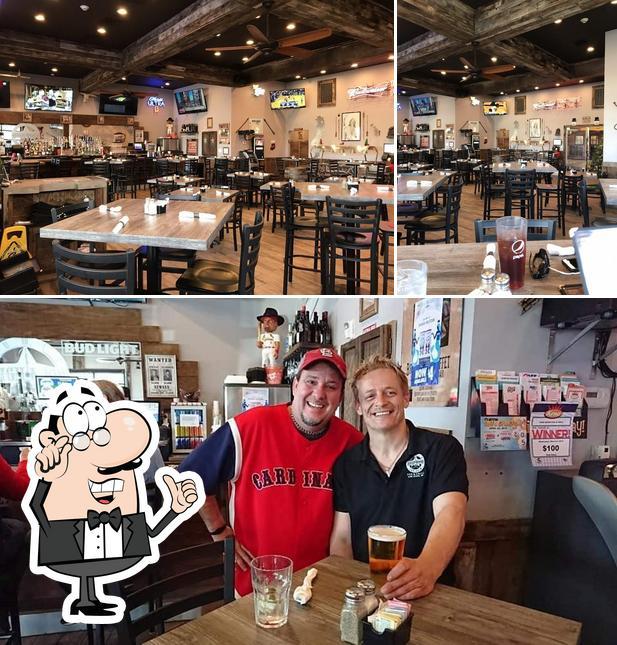 Mira cómo es High Noon Pub & Grill por dentro