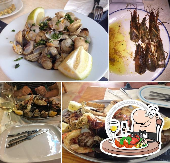 Try out seafood at Marisquería Galicia