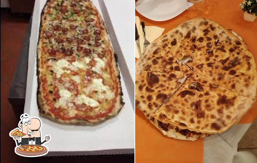 Probiert eine Pizza bei La Rustichella