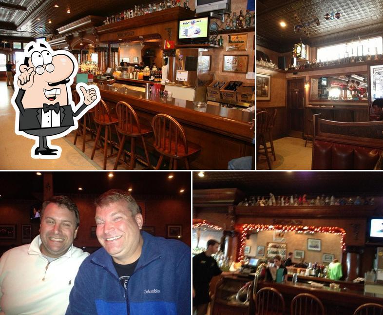 The interior of Horn's Gaslight Bar & Restaurant